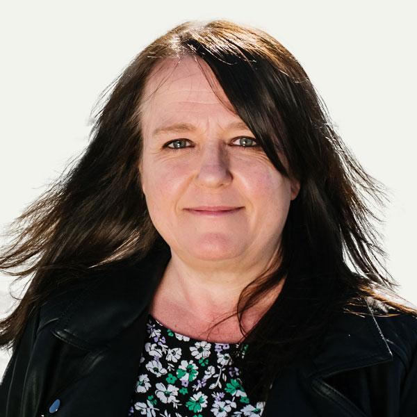 Headshot of Cllr Jo Farrell